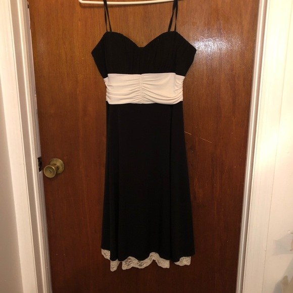 Dresses & Skirts - Black and white dress worn once